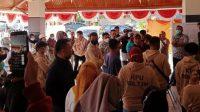 Gaji tak dibayarkan, eks PPS dan PPK geruduk kantor KPU Boltim